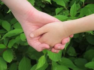 hands-263341_1920